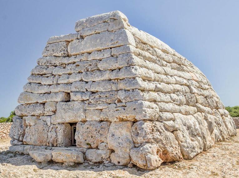 Naveta des Tudons - Menorca